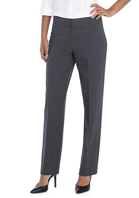 Signature Straight Pant in Modern Stretch - Short