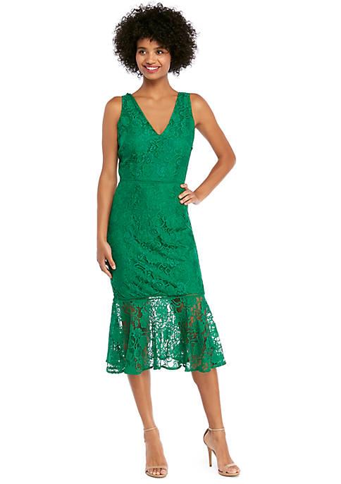 Sleeveless V Neck Lace Mermaid Hem Fitted Midi Dress